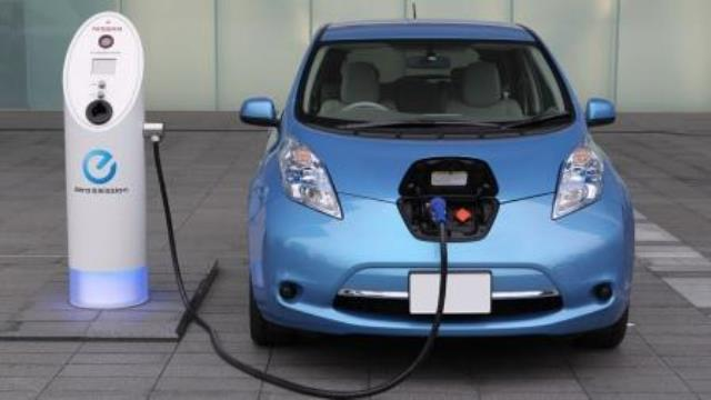 AIS AutoTrade предлагает самый популярный в Украине электромобиль Nissan Leaf в рассрочку!*